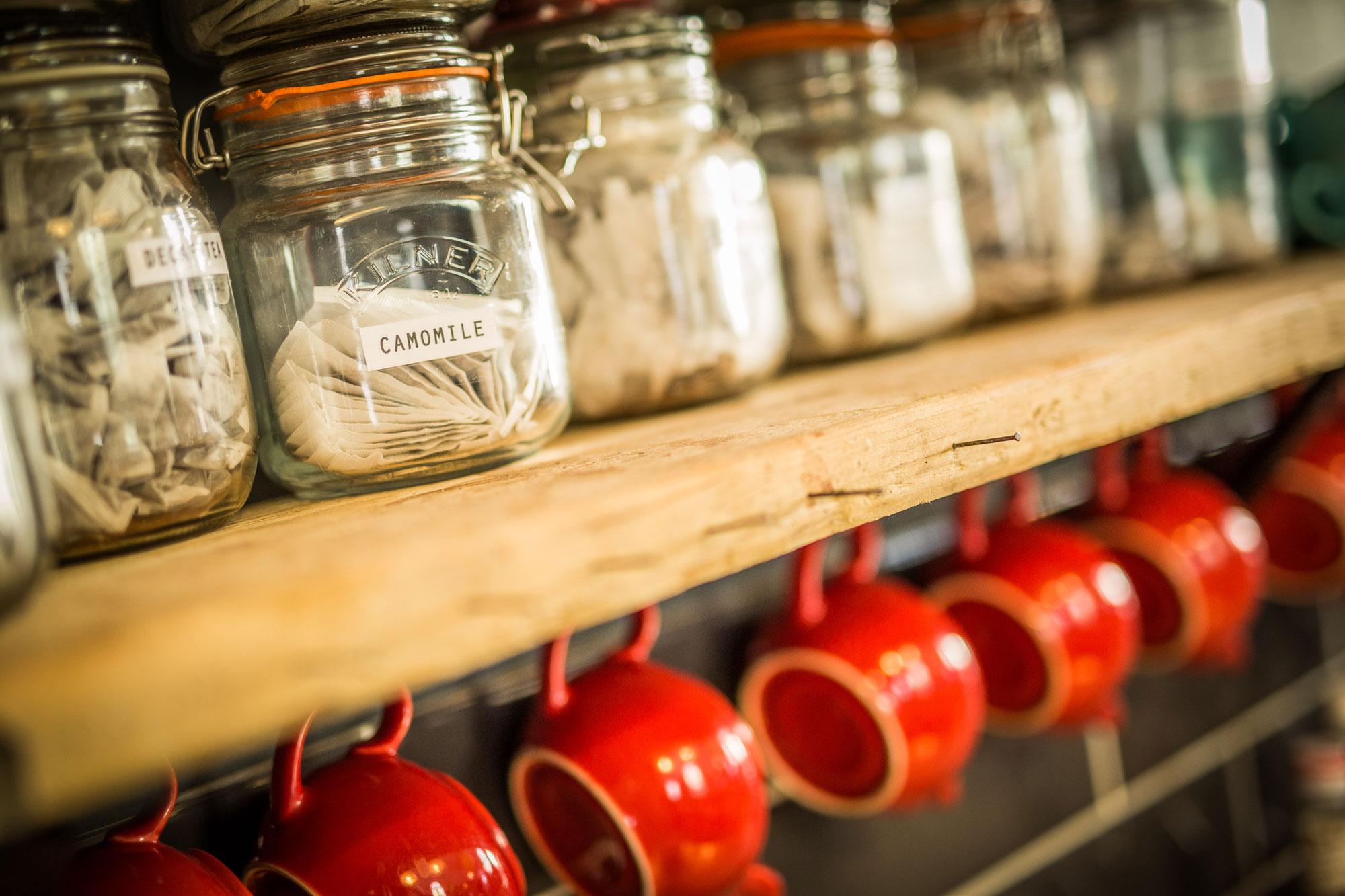 Shelves tea and tea pots